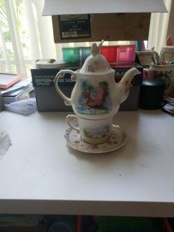 Disney Alice in Wonderland Tea Set for One/ Teapot and Tea c