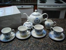 Brew to a Tea,Ceramic Tea Set. New In Box. 13 pc