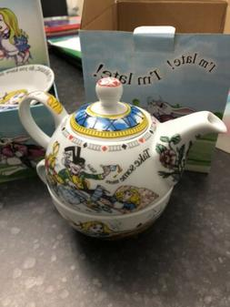 Cardew design Alice In Wonderland Tea Set