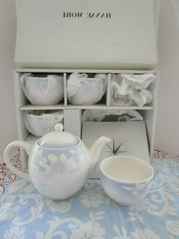 HANAE MORI Fine Porcelain CHINA TEA SET, TEA POT, 5 CUPS, BL