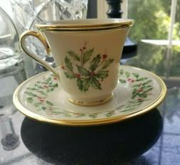 LENOX HOLIDAY Christmas Holly Fine China 24K Gold Set of 2 T