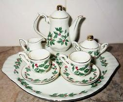 Baum Brothers Formalities Ivory and Gold mini tea set holly