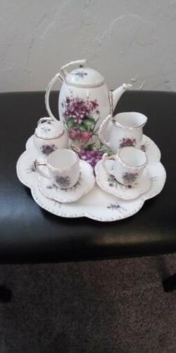 Beautiful Collectible Tea Set