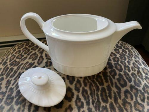 Wedgwood China No Trim With Tag.