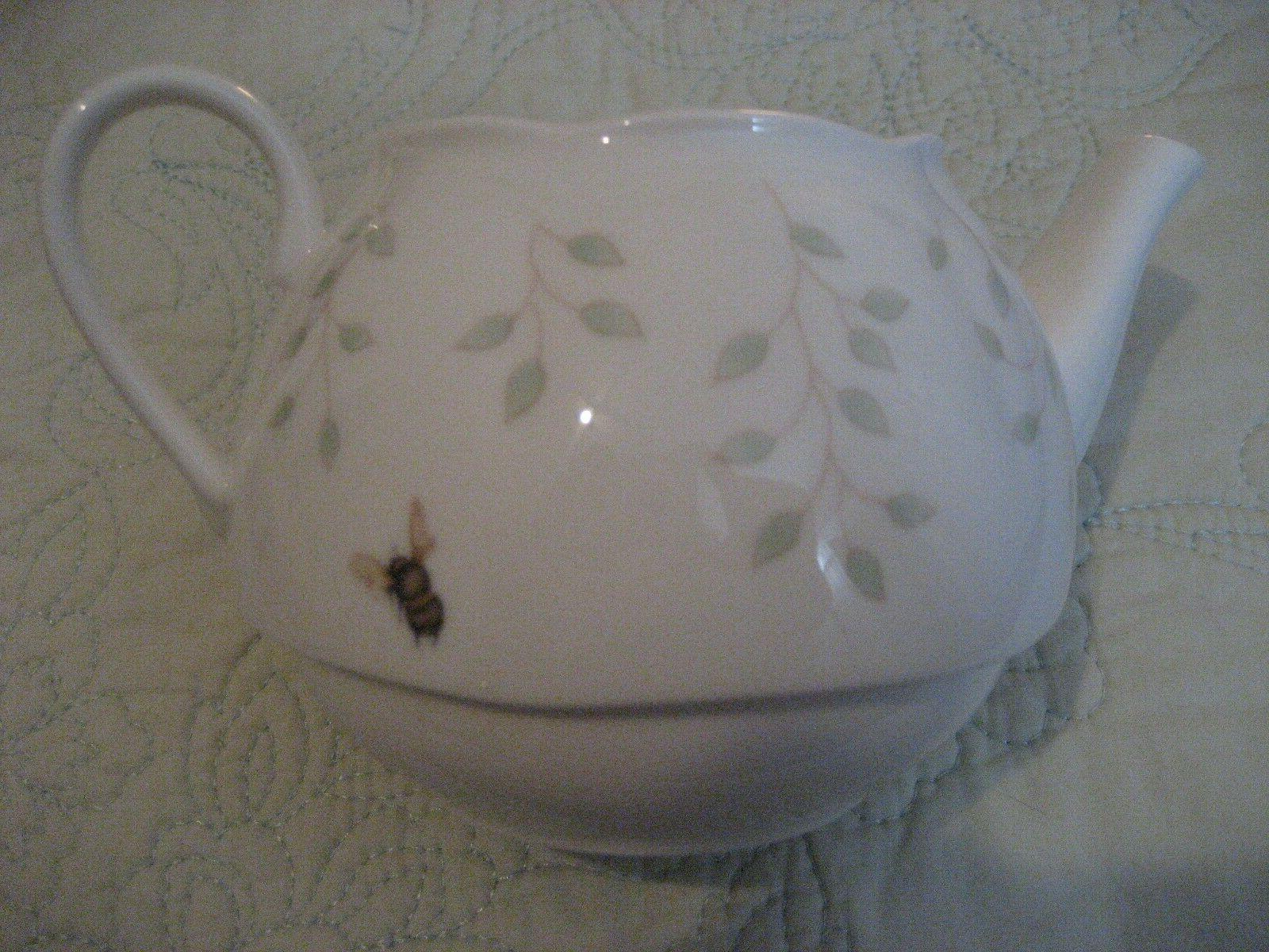 """Lenox """"Butterfly Tea with Holder"""