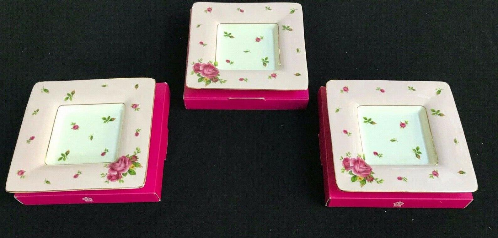 Royal COUNTRY ROSE CHINTZ 4 Cups Saucers