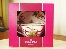 Royal Albert OLD COUNTRY ROSES CHRISTMAS Tea Cup & Saucer Se