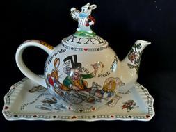 Paul Cardew Alice in Wonderland Mad Hatter's Teaparty Teapot