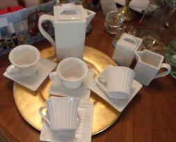TEA SET A WONDERFUL VINTAGE TEA SET 11 PIECES,