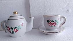 Vintage Holiday Teapot and Tea Cup Salt and Pepper Shaker se